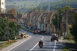 電動バイク世界一周ルーマニアのローカル道