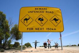 電動バイク一周オーストラリアのナラボー平原