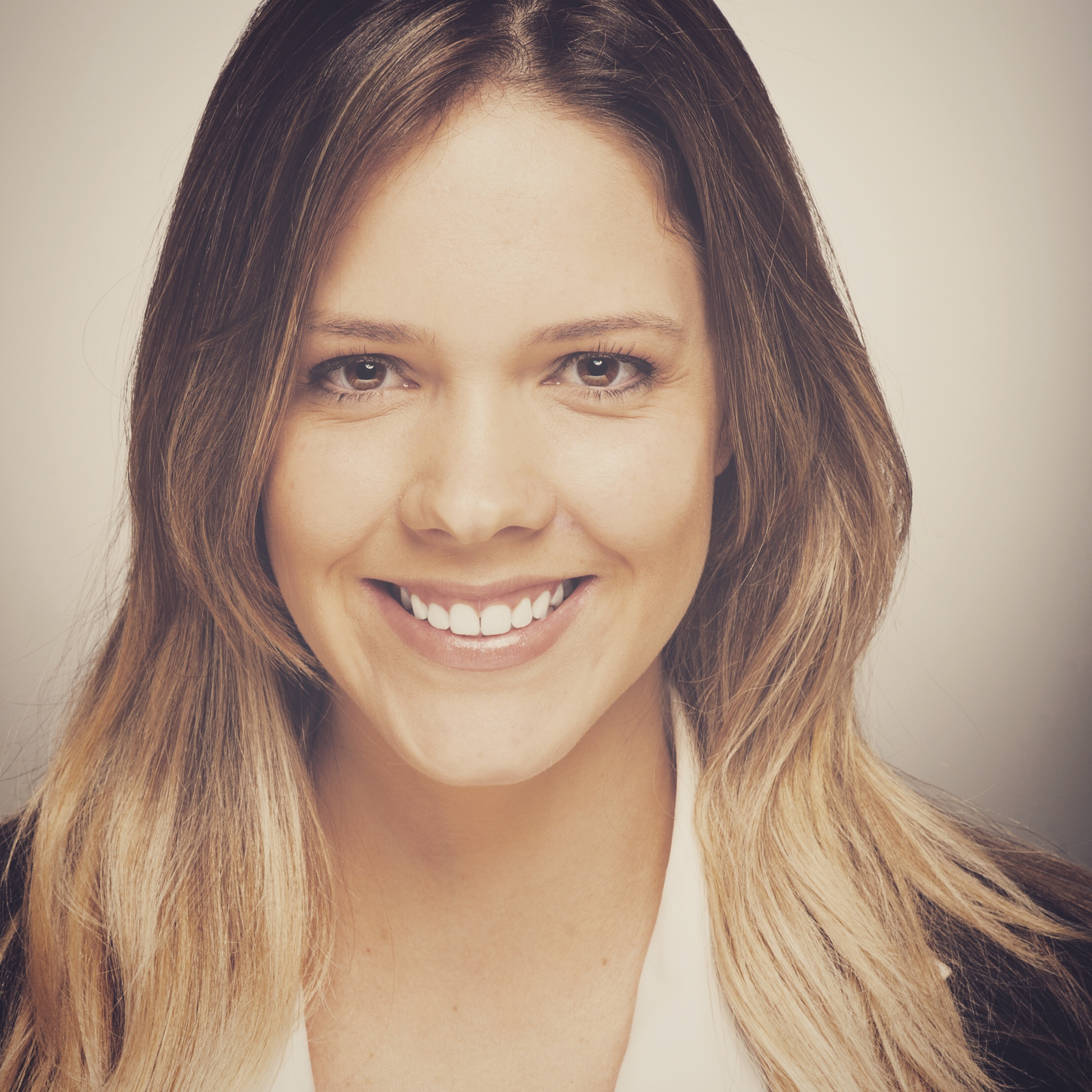 Fernanda B. Alves
