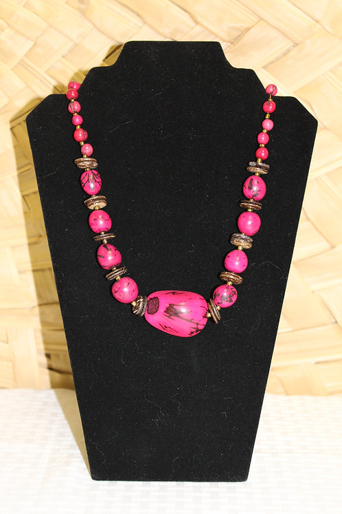 17C Necklace Pink
