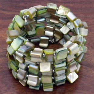 Mother of Pearl Bracelet - Green Tone