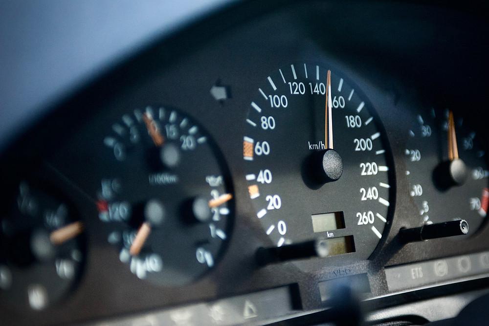 R129 analog dashboard instrumental cluster speedometer