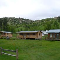 more cabins.JPG