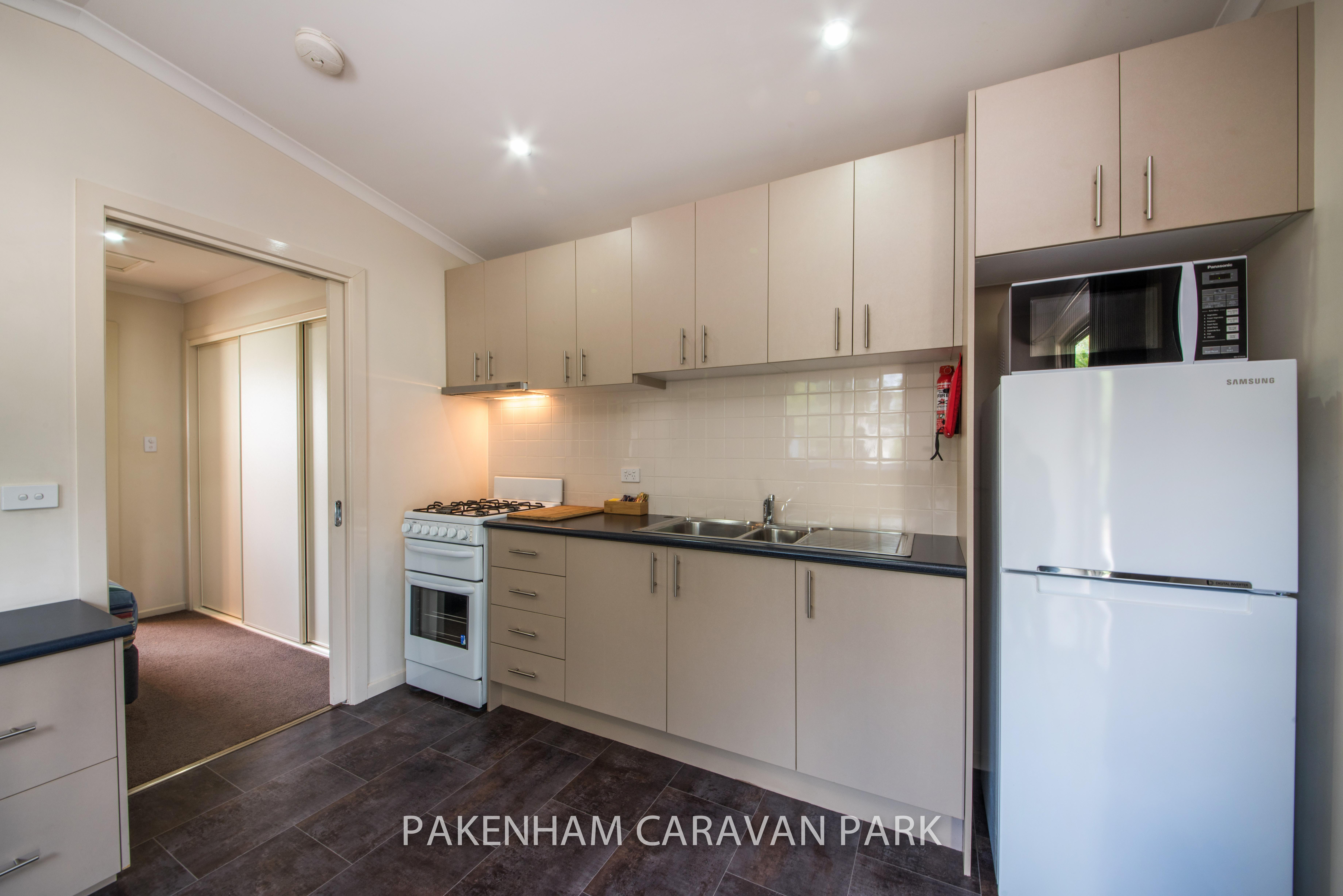 deluxe one bedroom kitchen