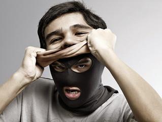 As Máscaras estão caindo...