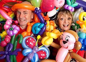 Twistopher-and-Twistina-engulfed-inballoons.jpg