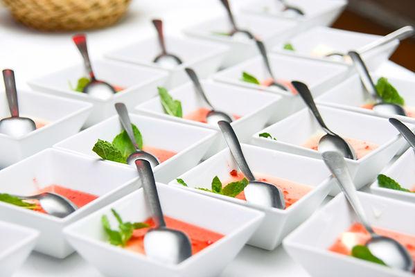 pequeños platos de comida