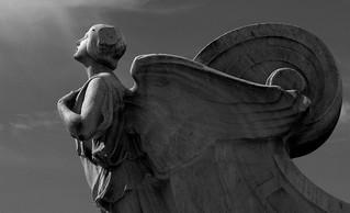 Tres cuentos hispanoamericanos y sus ángles