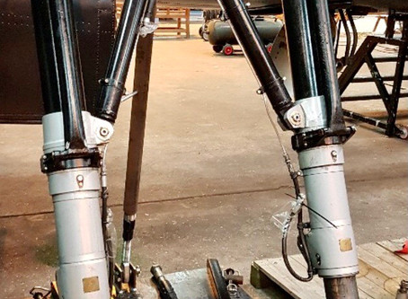 Landing-gear detailing and decals