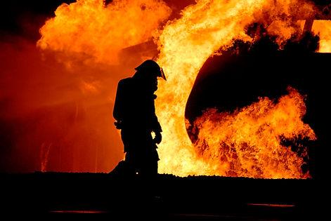 firefighter-767814_960_720.jpg