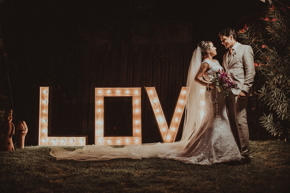photo-of-newlyweds-3397026.jpg