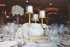 selective-focus-photo-of-table-centerpie