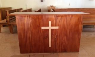 The new altar built for Iglesia Santo Tomas.