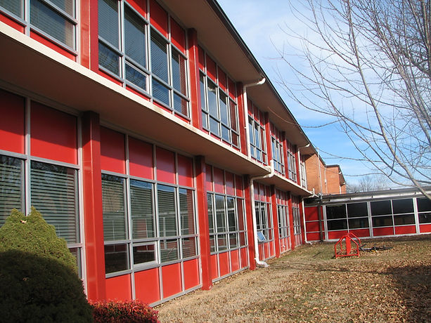 Buddy Webb & Co has provided architectural services for over 30 facilities within the R-12 Public School District over the past 14 years, including elementary schools, middle schools, and high schools. Projects have varied and included interior and exterior renovation work, window and door replacements, and parking and site repairs and upgrades.