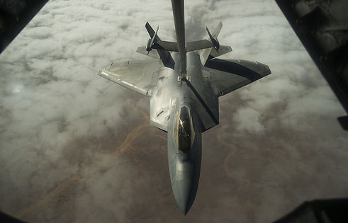 f-22-raptor-2663601_1280.jpg