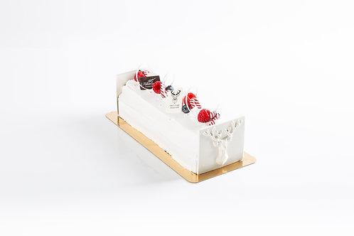 Mascarpone-ijs met rode vruchtensaus