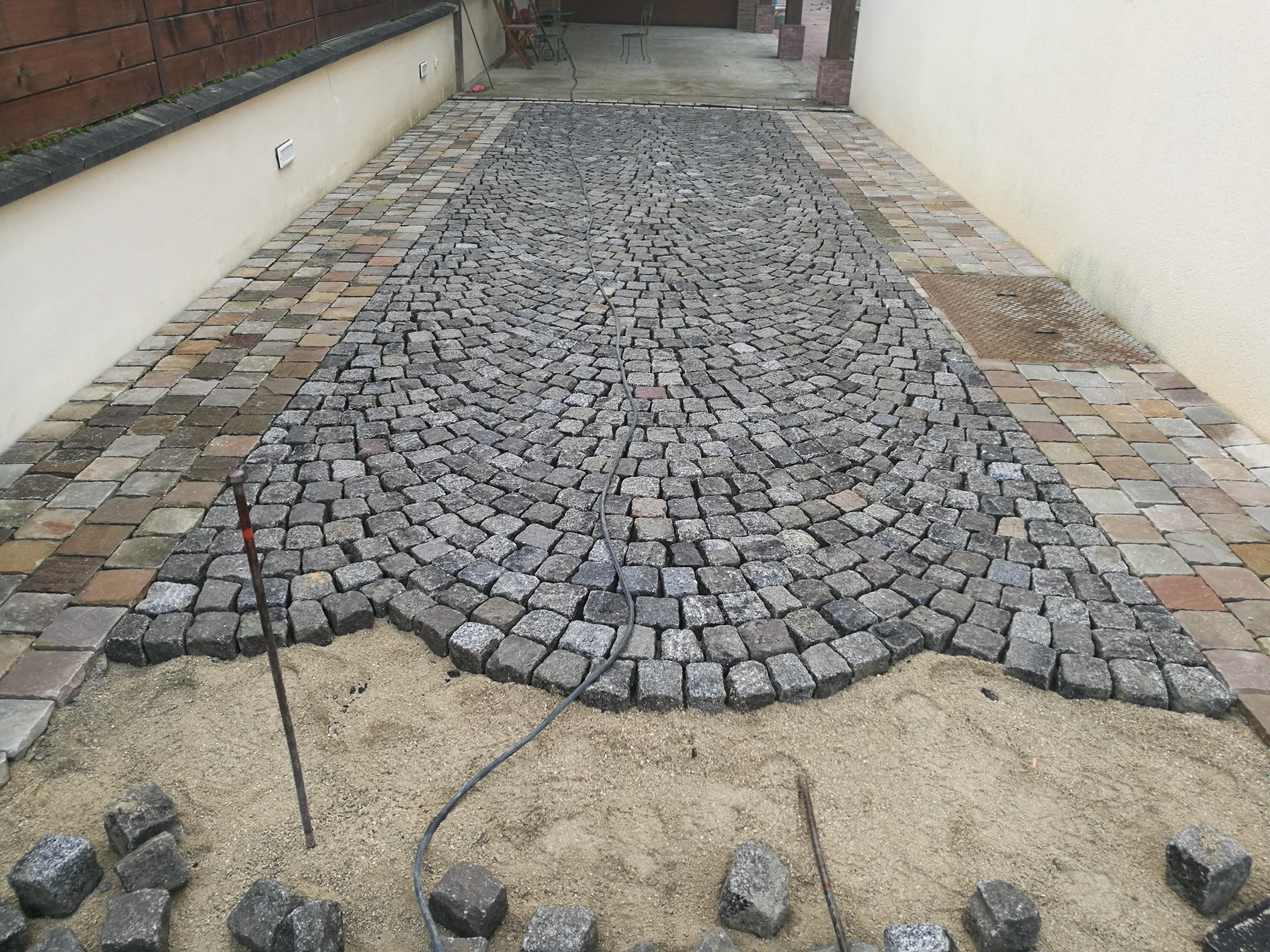 Paves de granit en aronde
