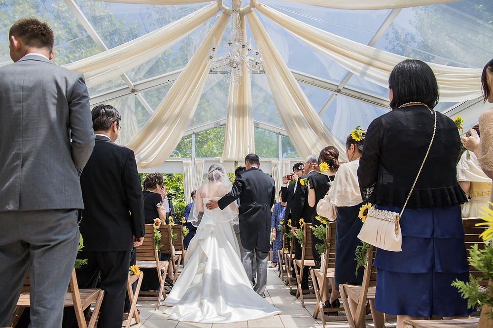 日比谷パレスの結婚式で人前式を撮影した時の挙式入場の写真