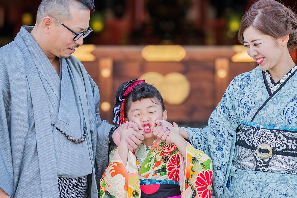 浜松の五社神社でお父さんもお母さんも着物で撮影した七五三写真