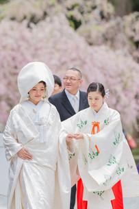 春に小國神社で行われた結婚式の写真