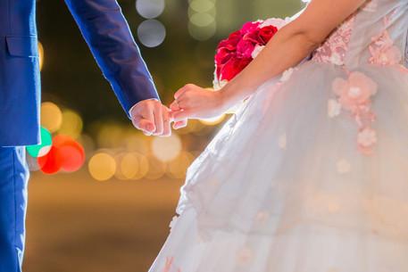 結婚指輪とイルミネーション前撮り写真