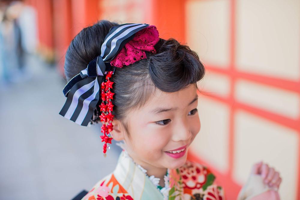 浜松でロケーション撮影をした7歳女の子の髪型とヘッドパーツ