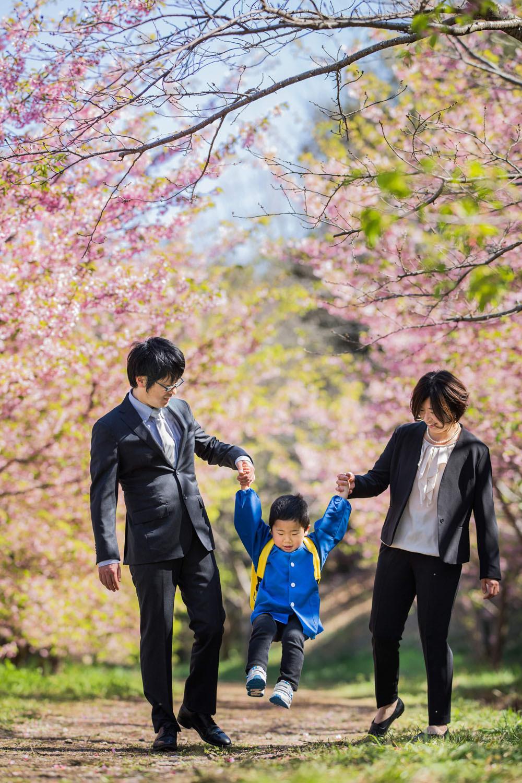 浜松市東大山の河津桜で撮影した入園記念ファミリーフォト