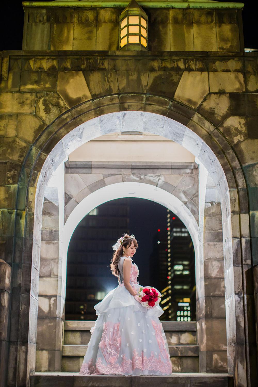 東京駅のガゼボで撮影をした新婦の結婚式前撮り写真