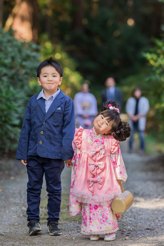 小國神社で撮影した兄妹での七五三写真