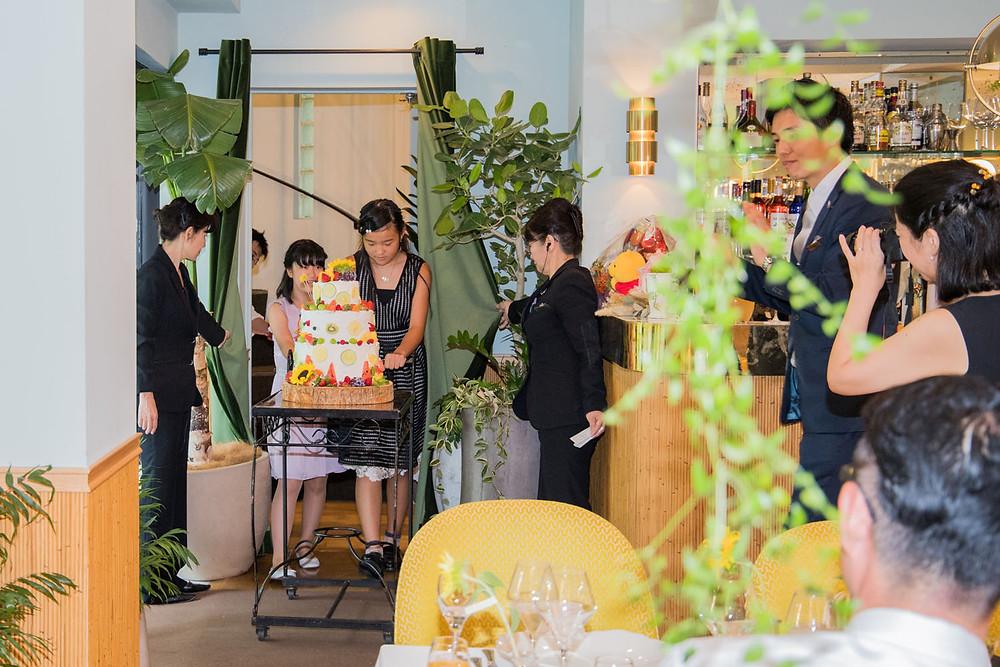 日比谷パレスの結婚式でウエディングケーキの演出を撮影した写真