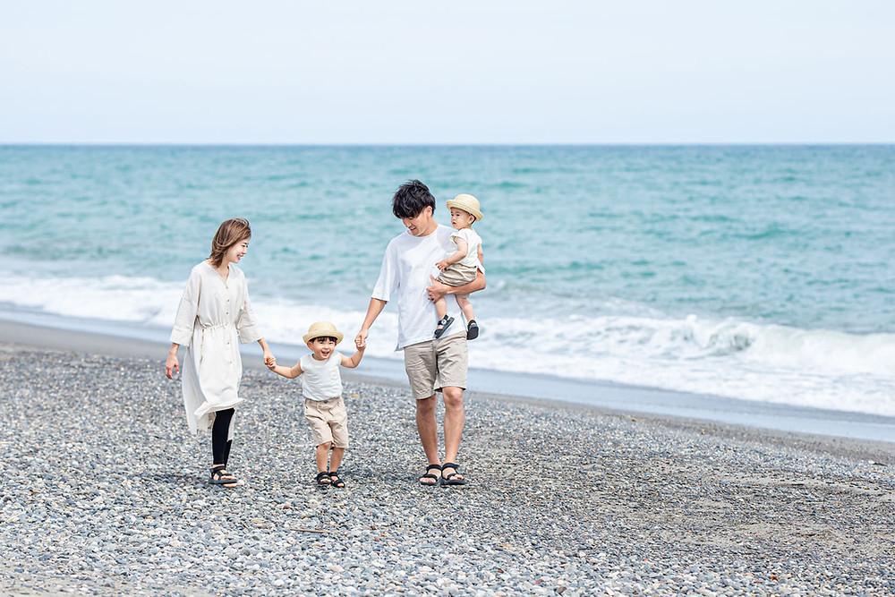 磐田の竜洋海岸で浜松のカメラマンが撮影したファミリーフォト