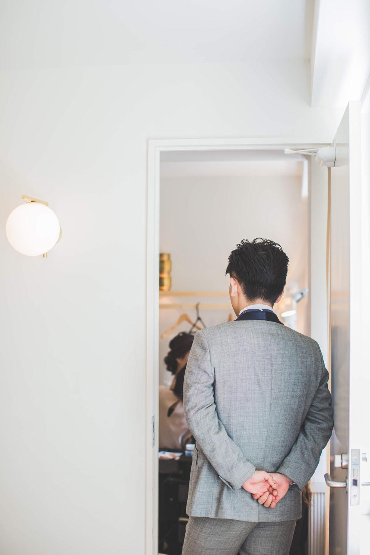 日比谷パレスで持ち込みカメラマンが撮影した挙式前の新郎新婦の写真