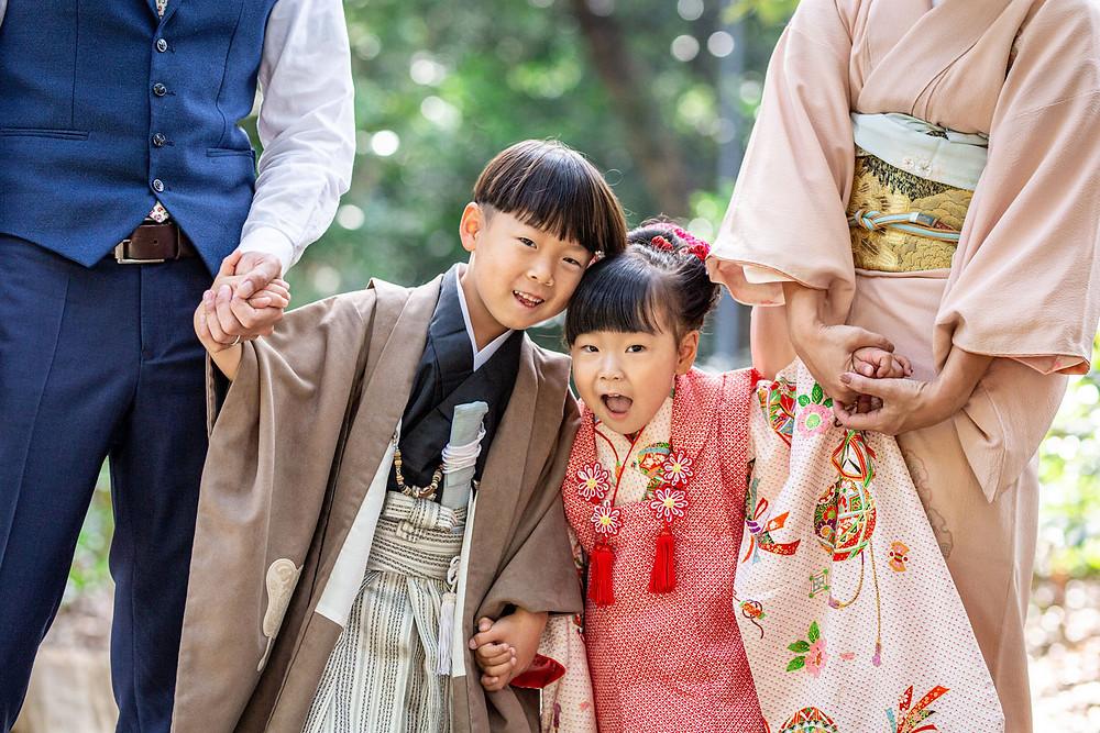 浜松のカメラマンが磐田府八幡宮へ出張撮影した兄5歳と妹3歳の七五三ロケーションフォト