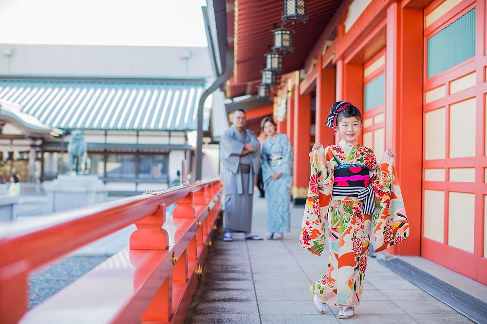 浜松の五社神社で撮影した七五三詣りでの家族写真