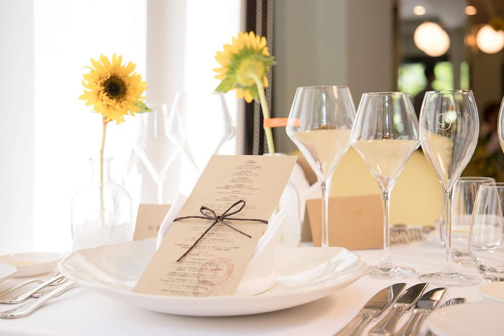 日比谷パレスで夏に結婚式をした花嫁のテーブル装飾を撮影した写真