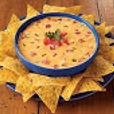 CHEESE DIP W/CHIPS