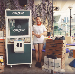 High-end beverage makers, Cinzano, held a Shanghai event with give-aways and games. We helped deliver a successful occasion.