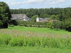 L'abbaye cistercienne du jardin de Valloires, labellisé jardin remarquable, à Argoules en Picardie à proximité de la Baie d'Authie