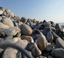 Les galets du littoral dans la réserve naturelle du Hâble d'Ault au sud de la Baie de Somme