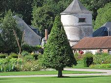 La roseraie du jardin de Valloires, labellisé jardin remarquable. C'est un jardin paysager mais également un jardin botanique, à Argoules en Picardie, à proximité de la Baie d'Authie