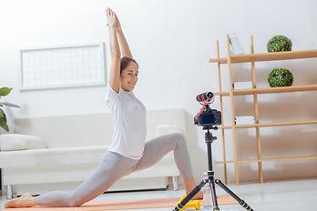 Yoga teacher Live