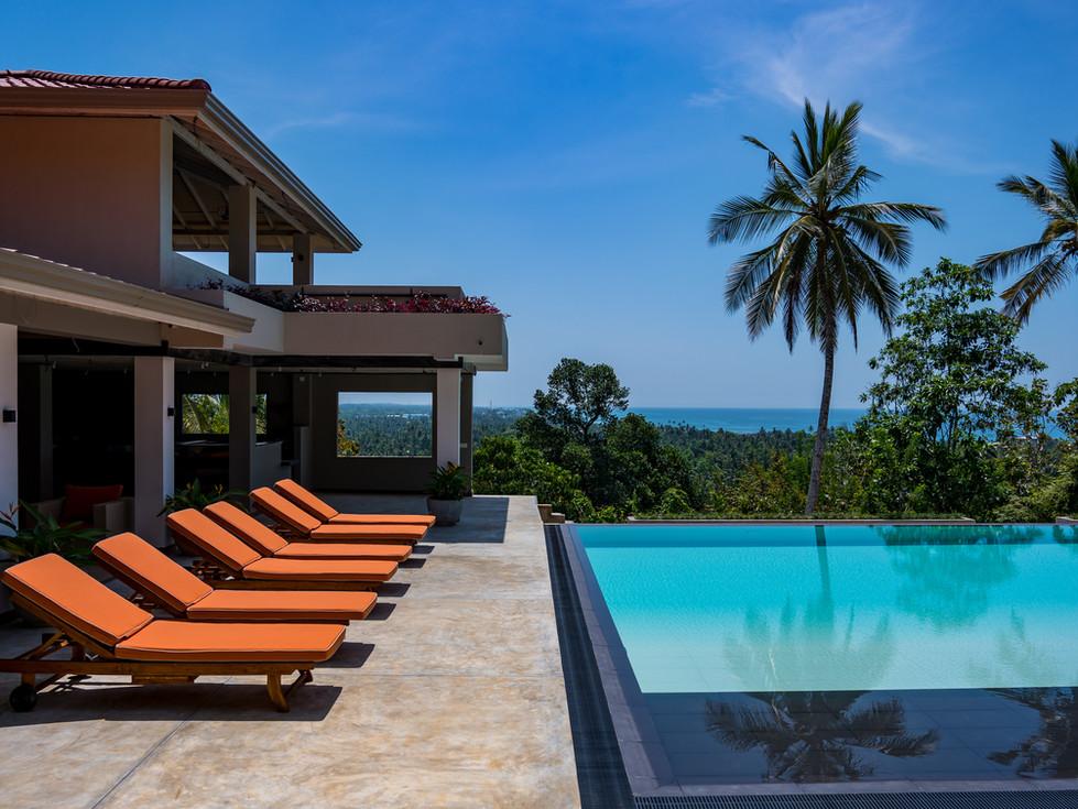 Tabula Rasa Resort - Infinity Pool