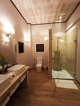 Bathroom I Family Apartment I Tabula Ras