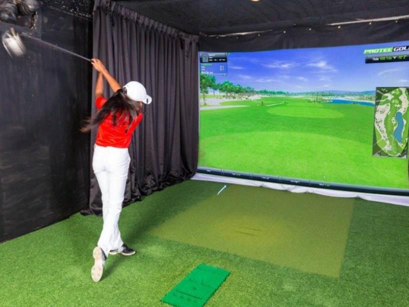 Indoor Golf Taj Samudra
