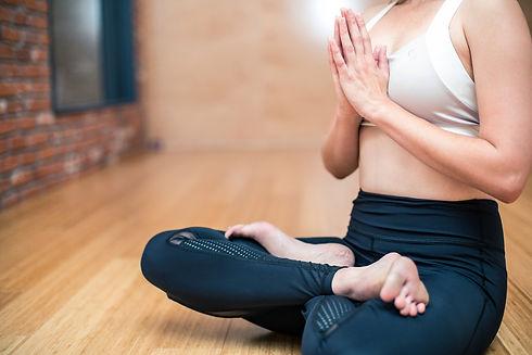yoga-3053488_1920.jpg