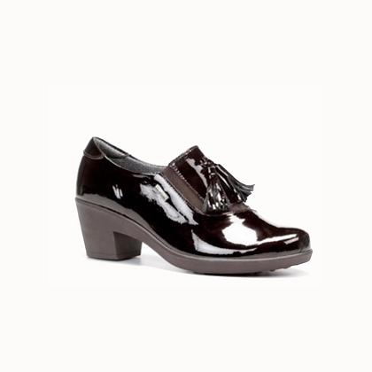 Zapato tacón y borlas negro
