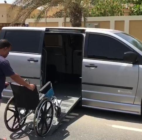 Dodge Caravan with Sidedoor + Wheelchair Accessible Ramps