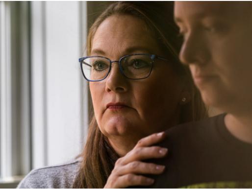 La pesadilla de una madre: su hijo autista tuvo que luchar contra COVID-19 solo en el hospital