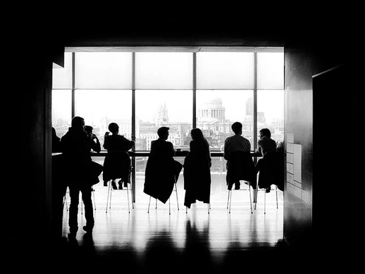 Diferencias entre trabajar a distancia y trabajar en la oficina