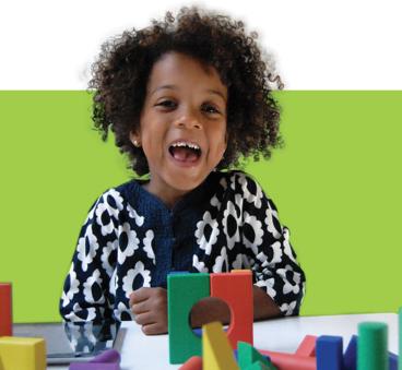 Los beneficios de jugar con bloques de construcción para niños con autismo